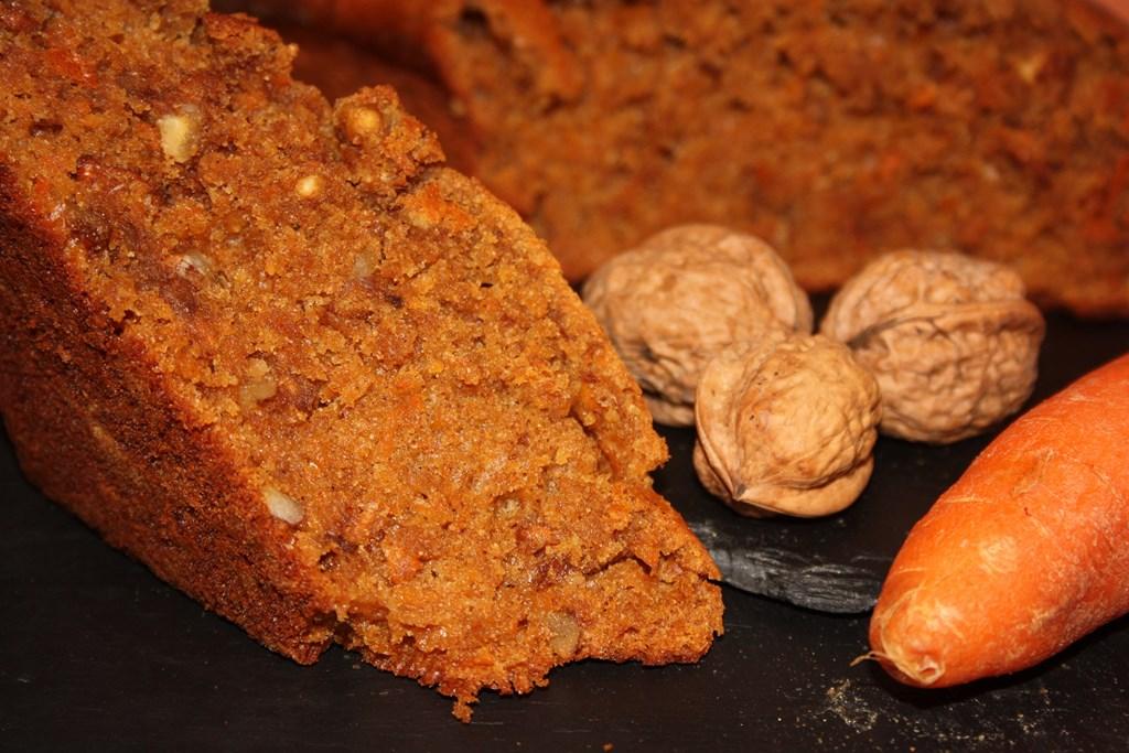 Bizcocho de zanahoria, nueces, canela y miel